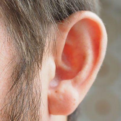 Oren verstopt en zitten dicht; hoe krijg je verstopte oren ...  Oren